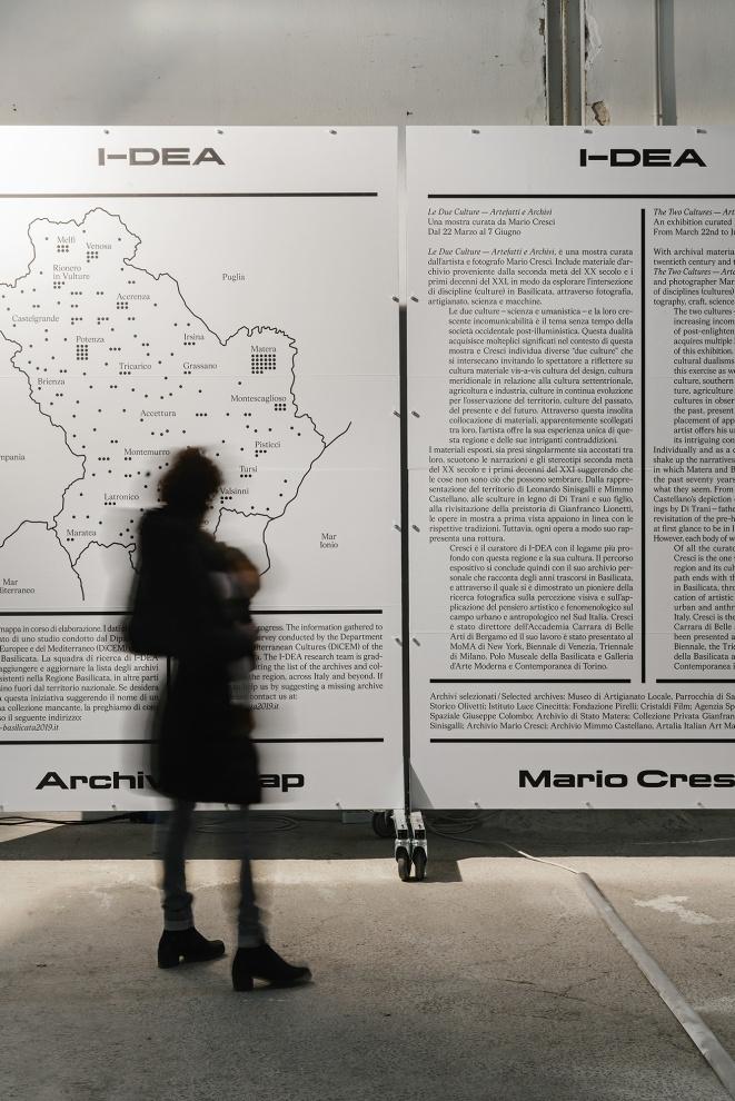 I-DEA: The Two Cultures   Mario Cresci
